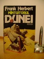 Frank_Herbert_Mantuitorul_Dunei
